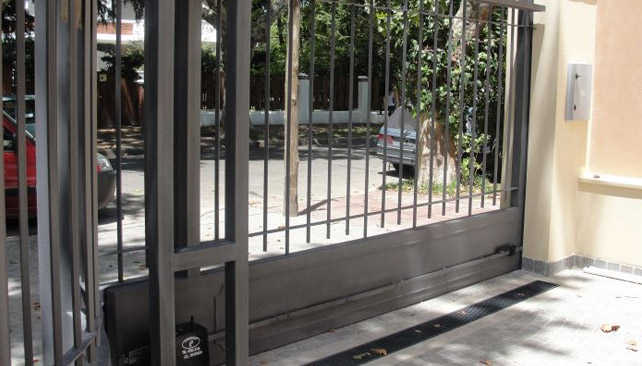 Puertas batientes | Impacto Tecnológico